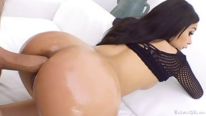 In the ass is where Aaliyah Hadid loves it the most