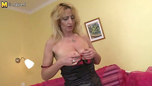 HOT Granny nation dildo in her hairy pussy