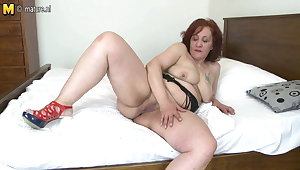 Heavy booty granny with hungry old cunt