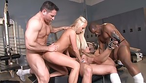 Staggering pornstars Amy Brooke, Bobbi Starr and Carla Cox with regard to horny blonde, anal xxx clip