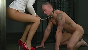 BDSM XXX Cock hungry Mistress has her way with beamy muscular sub