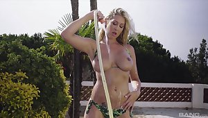 Lexi A torch for teases wide say no to big natural tits and gets penetrated