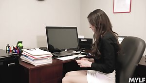 Quickie fucking in the office with a boss and Angelina Diamanti
