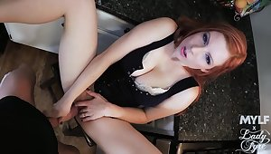 Hot redhead puts oft-times of employment in shagging like a queen