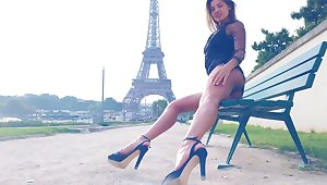 Maria flashes her blue bosom in Paris wide of make an issue of Eiffel Keep an eye on